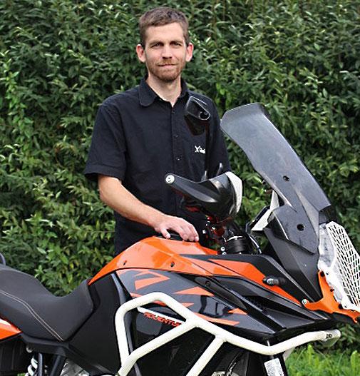 Klemens mit Motorrad